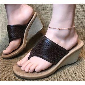 Women's UGG Wedge Heel Sandals Size 8